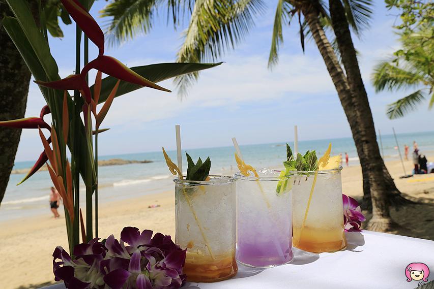 [拷叻美食]泰國攀牙灣|Talay Thong餐廳~陽光、沙灘、燈塔南洋元素.海風徐徐吹來的天然美景